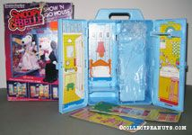 Snoopy & Belle Show n' Go House