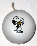 Snoopy hugging Woodstock Yo-Yo