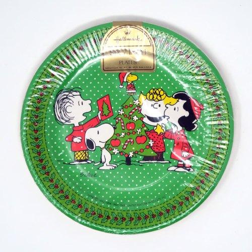 Peanuts Gang Christmas Tree Party Plates