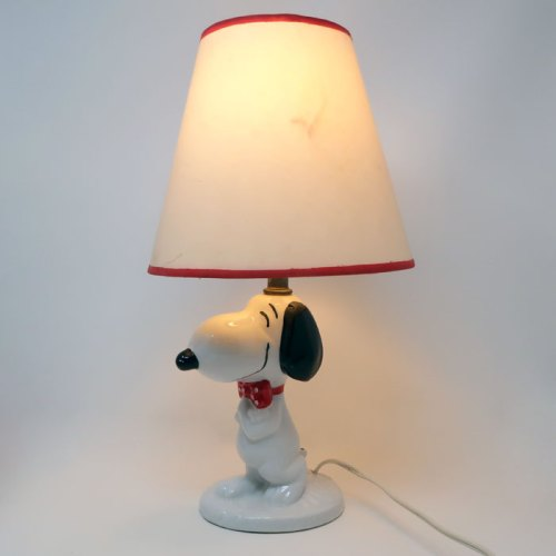 Snoopy wearing bow tie Lamp