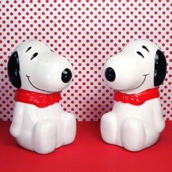 Click to view Snoopy Salt & Pepper Shakers