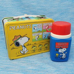 Click to view Peanuts Lunch Boxes