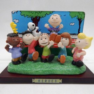 "Peanuts ""Heros"" Limited Edition Figurine by Flambro"