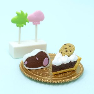 Snoopy's Lollipops & Cookie Pie