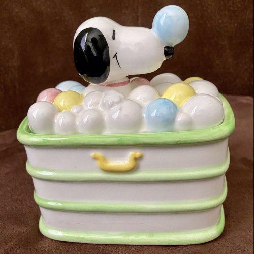 Snoopy Bubble Bath Trinket Box