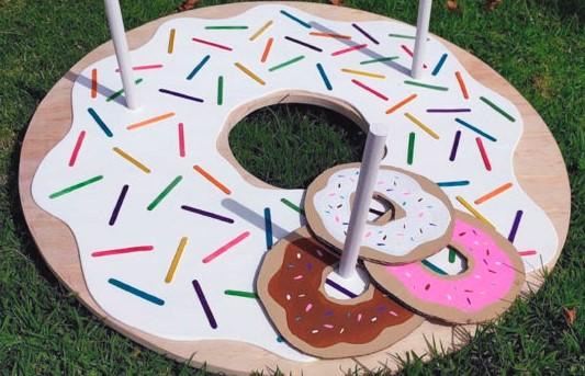 donut ring toss game