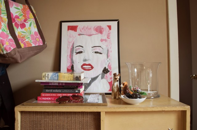 vintage record player marilyn monroe painting