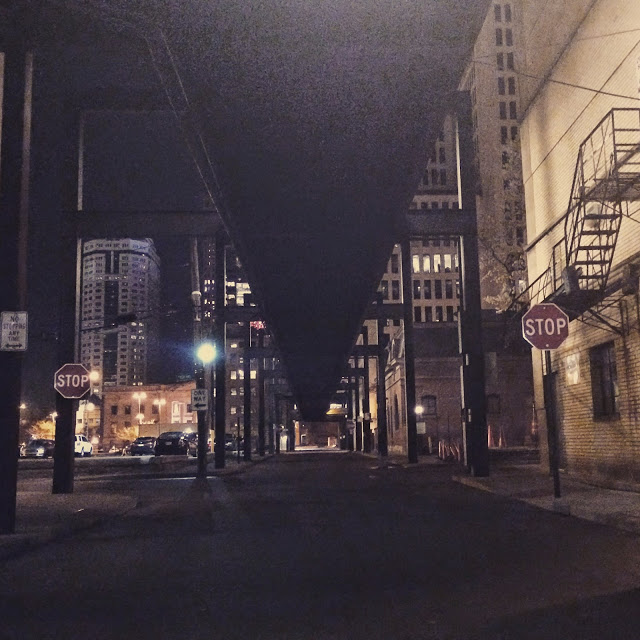 downtown columbus ohio at night