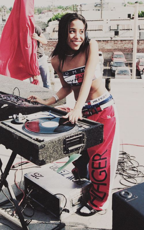 cute 4th of july outfit aaliyah tommy hilfiger 90s fashion