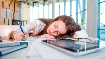 New Study Says That Women Should Be Allowed To Nap At Work & We Completely Agree