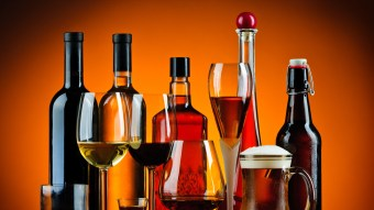 Expert Reveals The Worst Alcoholic Drinks For Your Skin, And Red Wine Lovers Are Doomed