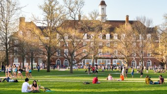 Large Universities vs Small Colleges: Advantages and Disadvantages of Each
