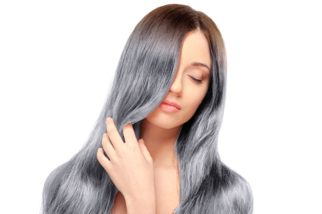 woman with gray hair 2019 beauty trend