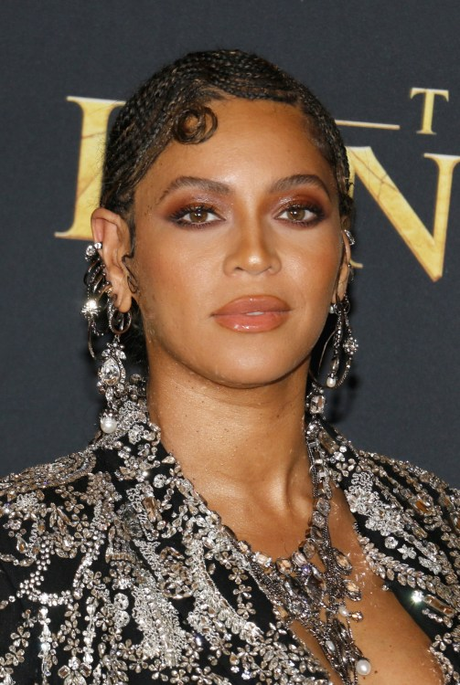 "Beyonce at world premiere of ""The Lion King"""