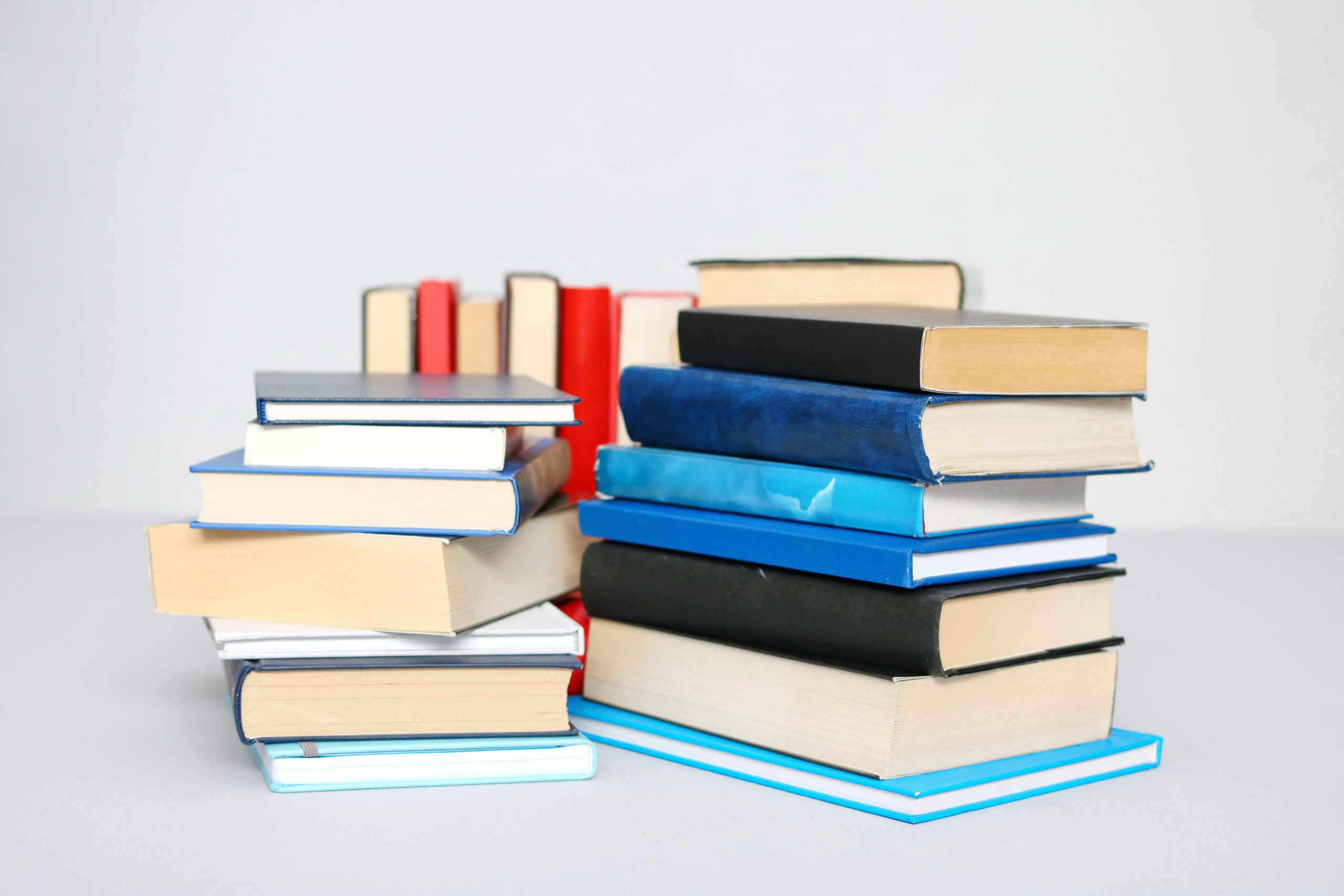 The 5 Best Places To Stock Up On Textbooks in 2021