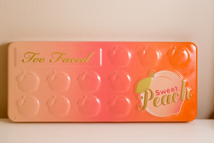 too faced sweet peach palatte, orange and pink colors