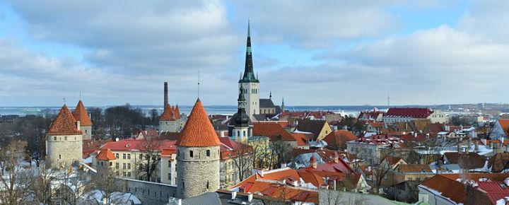 800px-Old_town_of_Tallinn_06-03-2012