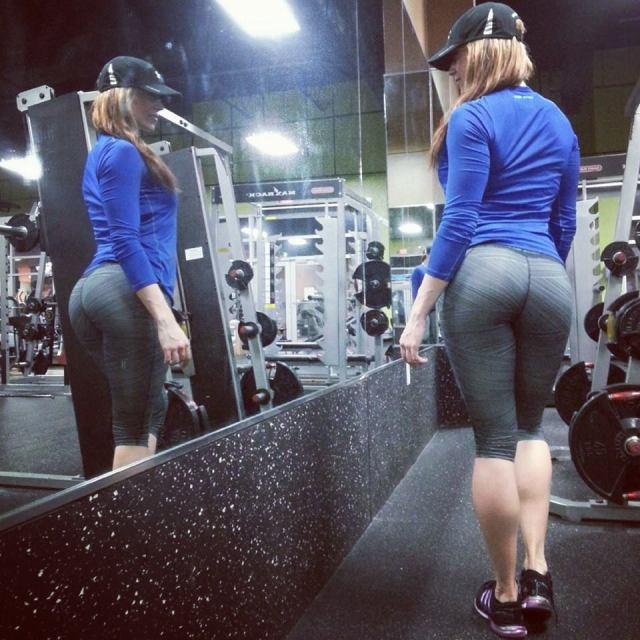 girls-in-yoga-pants-2