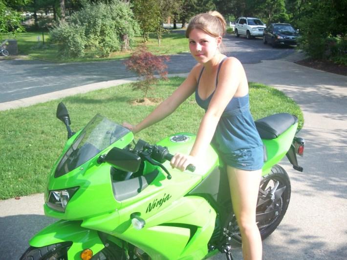 sexy-girls-bikes-18