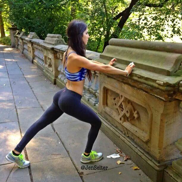 yoga-pants-weekend-44