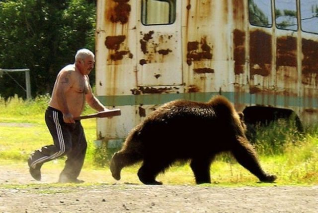 10-man-vs-bear-russia