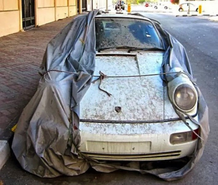 abandoned-supercars-Porsche-911-White-06