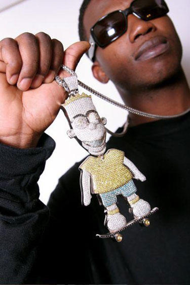hilarious-rapper-chains-3