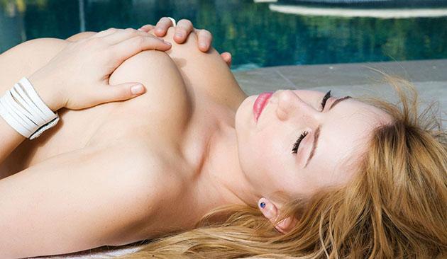 sexy-handbra-pictures-14