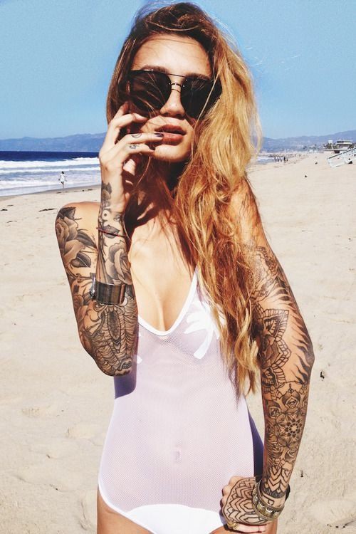 hot-girls-tattoos-12