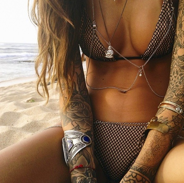 hot-girls-tattoos-14