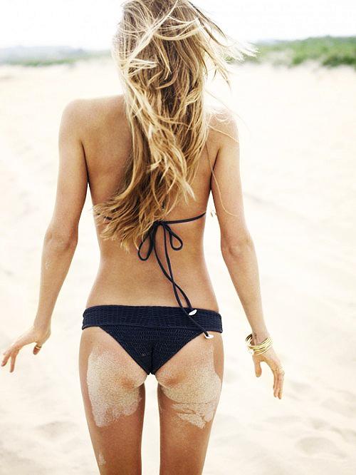 bikini-sand-ass-9