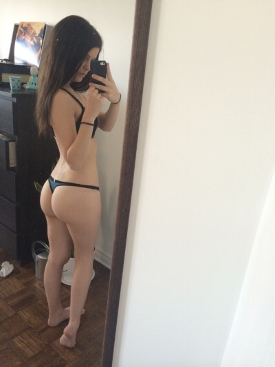 sexy-babe-selfie-4