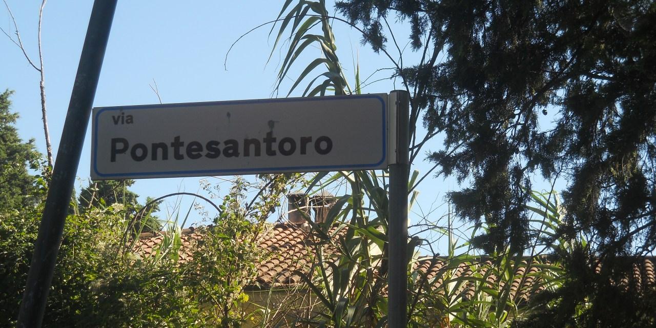 CASTELL'ANSELMO: CEDE IL MANTO STRADALE IN VIA PONTESANTORO. STRADA CHIUSA AL TRAFFICO