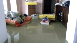 La casa invasa dall'acqua a seguito dell'alluvione del 31 gennaio scorso