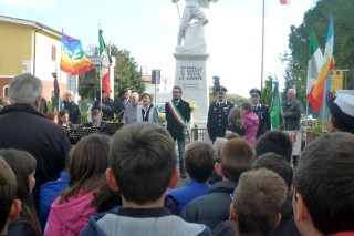 La presidentessa Burgalassi, il sindaco Bacci, il luogotenente Giannetti, il maresciallo Relli