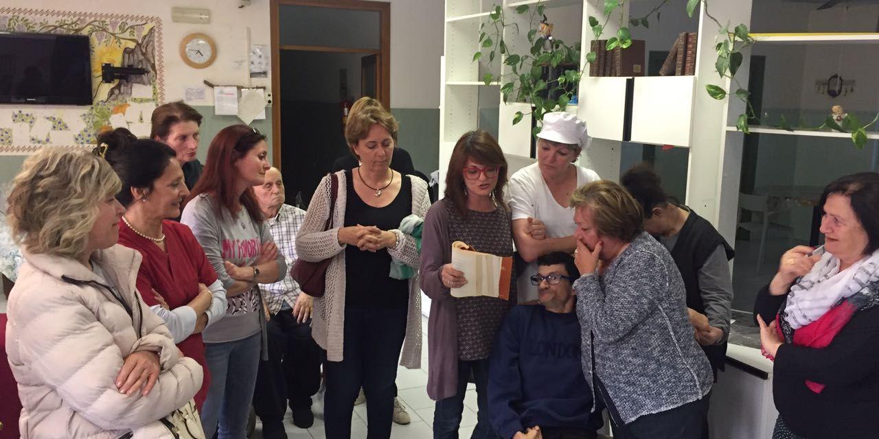 FESTA A SORPRESA A STAGNO PER ENRICA MONTICELLI DA PARTE DEI RAGAZZI DELLA CASA FAMIGLIA BORRELLI