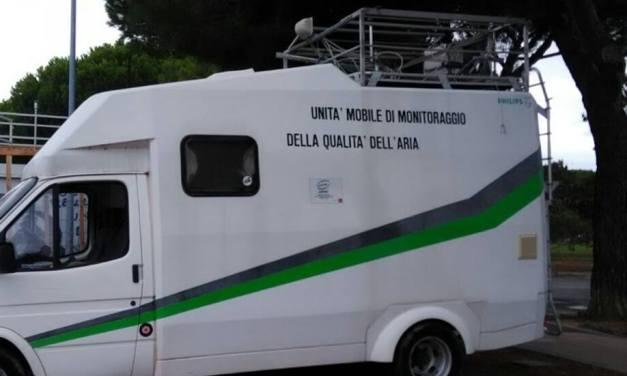 A STAGNO UN MEZZO MOBILE PER MONITORARE LA QUALITÀ DELL'ARIA IN ATTESA DELLA STAZIONE FISSA