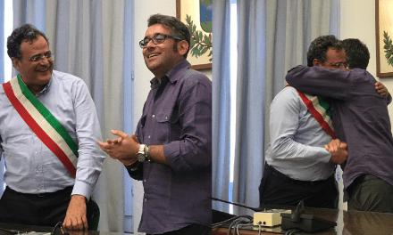 PASSAGGIO DI CONSEGNE FRA IL SINDACO USCENTE BACCI ED IL SUCCESSORE NEOELETTO ANTOLINI