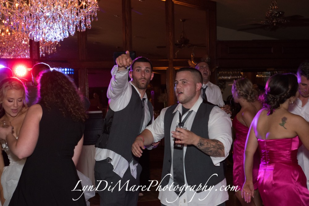 20160812_kellsie-and-paul-carone-wedding_807-x2
