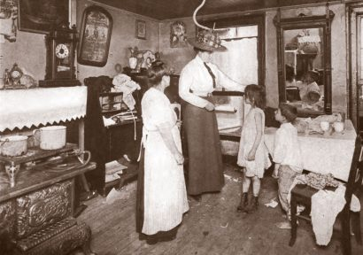 medical-inspection-gulick-ayers-1913-nurse-at-home-sep-web