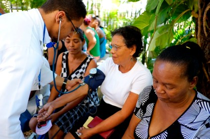 Decenas de pacientes geriátricos fueron beneficiados.