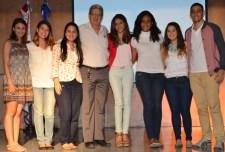 Psicología Alma Canaán, Carla Reyes, Blas Valenzuela, Nicole Garrido, Mónica Mejía, Stephanie Sehuoerer, Cyntya Camarena y Melani Rodriguez. Los miembros del comité son acompañados por el coordinador de su carrera.