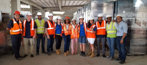 Estudiantes de Ingeniería civil del INTEC y de BYU recorrieron varias construcciones de la ciudad Capital.