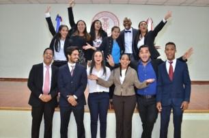 Psicología y Negocios Internacionales representados en una foto.