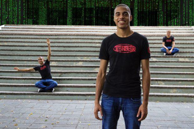 Joanbelk García Alvarado creador de los lentes de realidad aumentada.