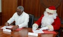 Rolando Guzmán y Santa Claus