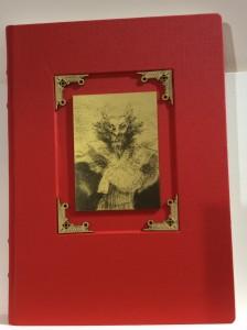 [Foto 11: Livro impresso de exposição da Fundación El Libro Total]