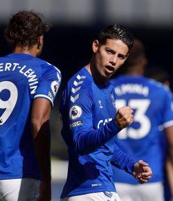 James Rodriguez scoort zijn eerste goal voor Everton