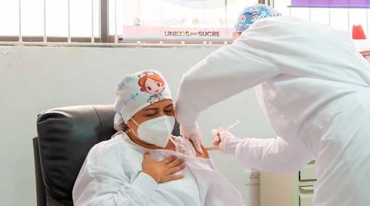 Eerste prik met coronavaccin in Colombia gezet