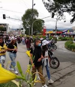 Botsingen tussen demonstranten en oproerpolitie in Popayán, 1 dode en 40 gewonden